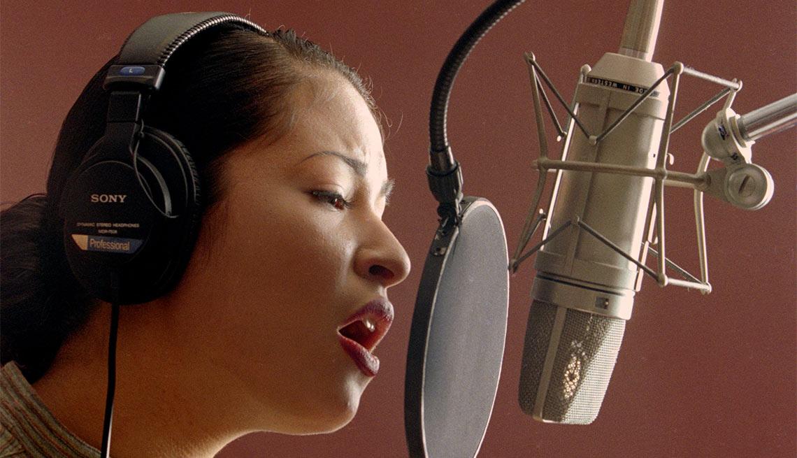 item 8 of Gallery image - Selena - Su carrera en imágenes