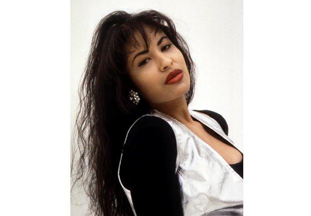 Selena - Su carrera en imágenes