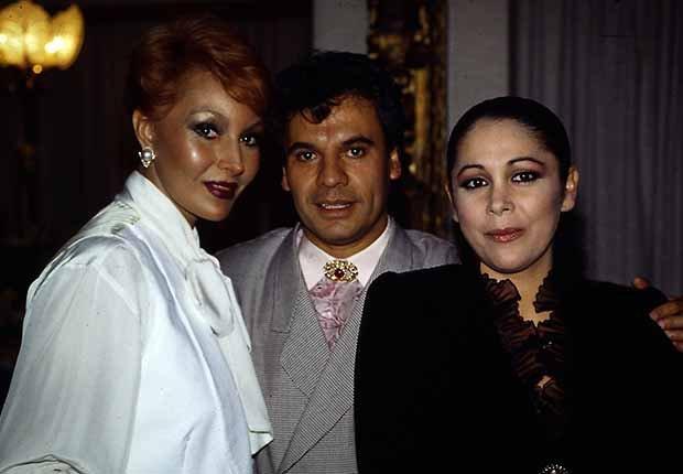 Juan Gabriel, universo de artistas - Carrera del cantautor mexicano