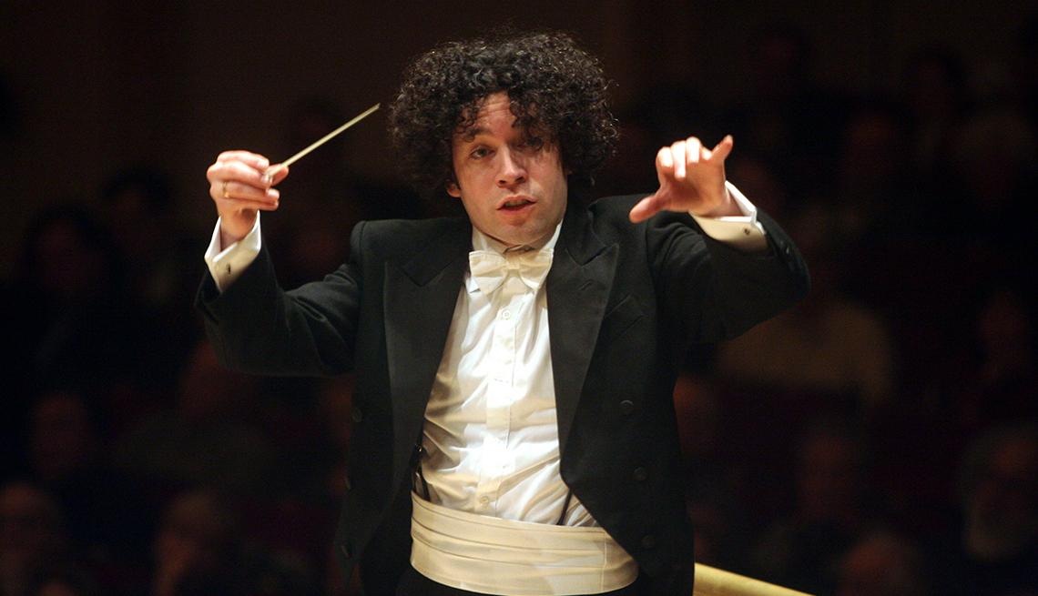 Gustavo Dudamel, dirigiendo su orquesta