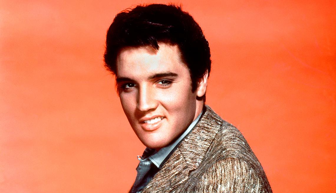 item 5 of Gallery image - Elvis' Christmas Album