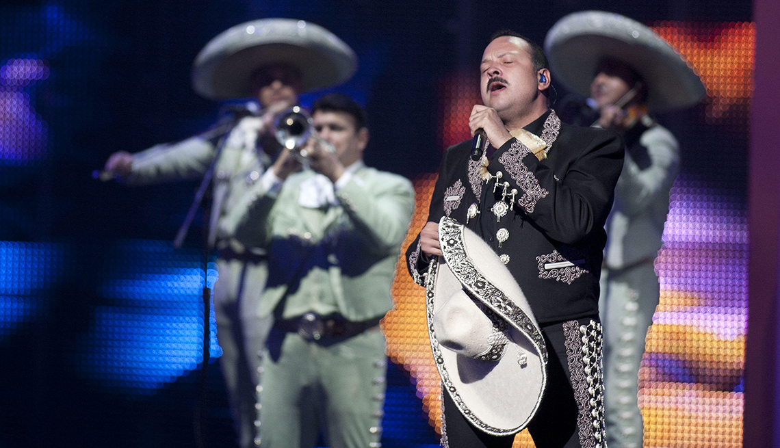 item 9 of Gallery image - Pepe Aguilar, rancheras inolvidables