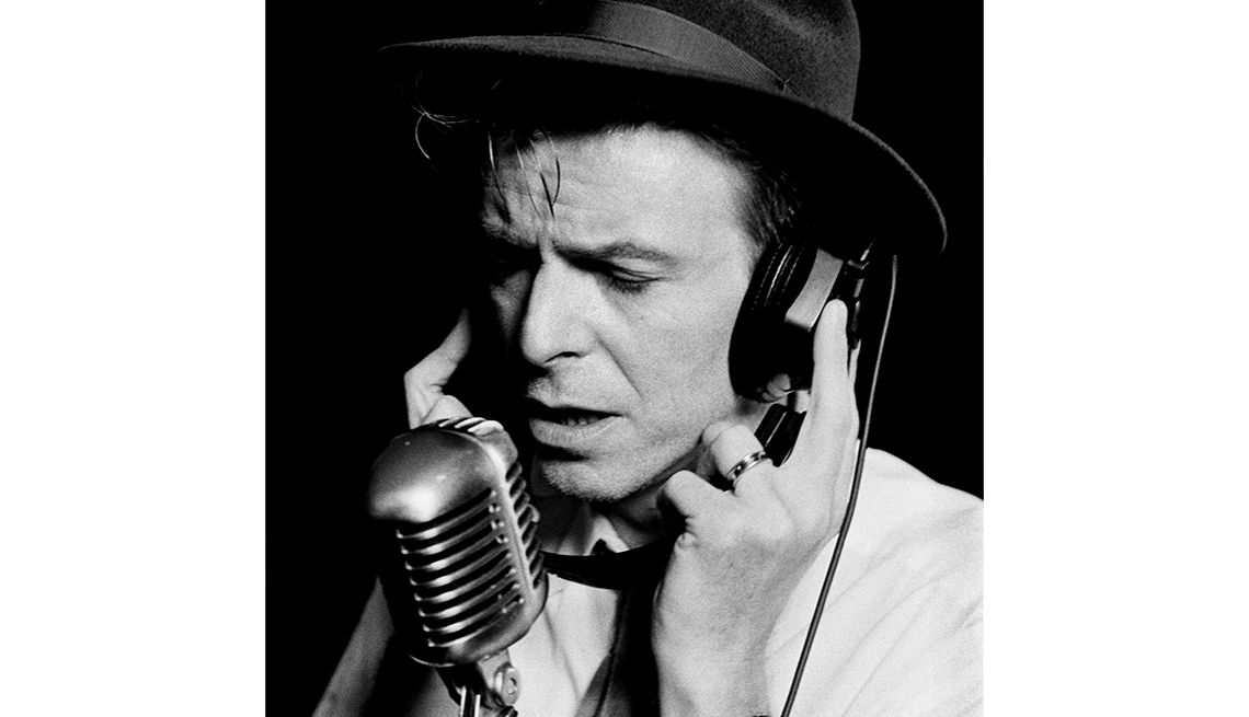 item 6 of Gallery image - David Bowie, 1992