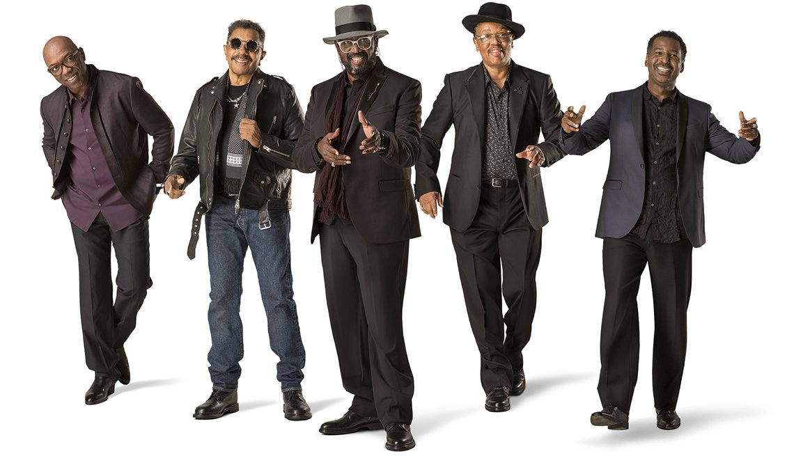 5 members of the singing group The Temptations