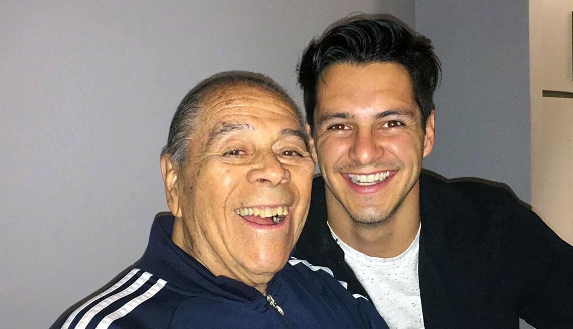 Lucho Gatica y su nieto Carlos Gatica