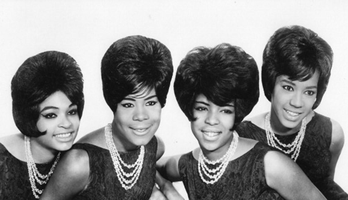 item 3 of Gallery image - Wanda Young, Gladys Horton, Georgeanna Tillman y Katherine Anderson de las Marvelettes, en 1964.