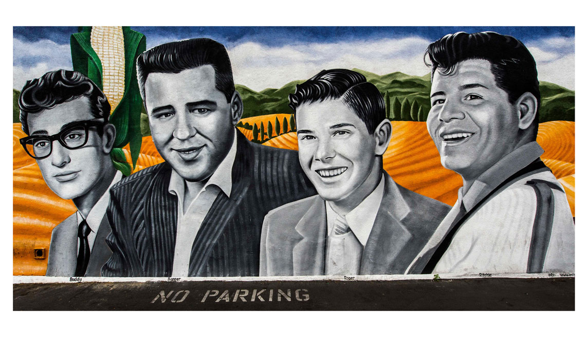 item 9 of Gallery image - Pintura 'The Day The Music Died', ubicada en Van Nuys Blvd., Pacoima, California.