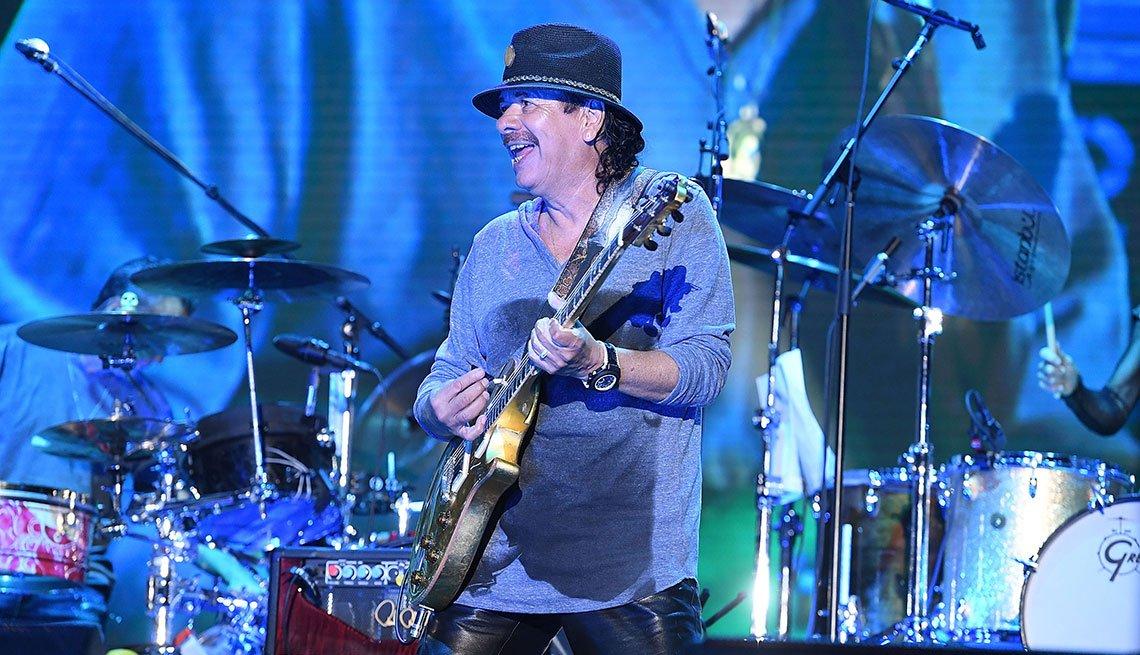 Carlos Santana en concierto, Fairburn, Virginia, 2016