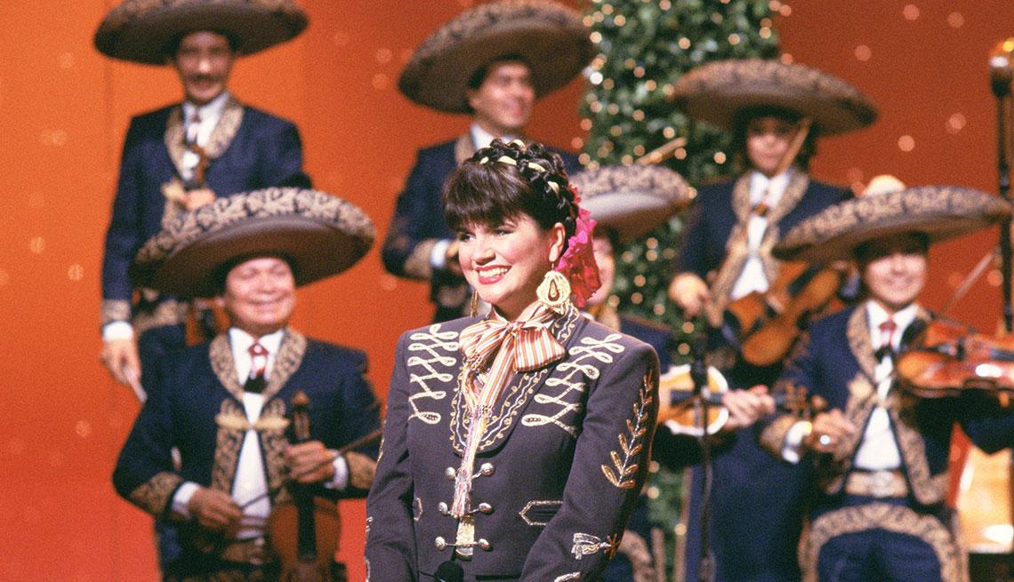 Linda Ronstadt en concierto en la televisión, 1987.