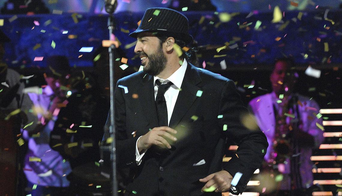 item 6 of Gallery image - Juan Luis Guerra en el escenario del Latin GRAMMY, Las Vegas, 2008.