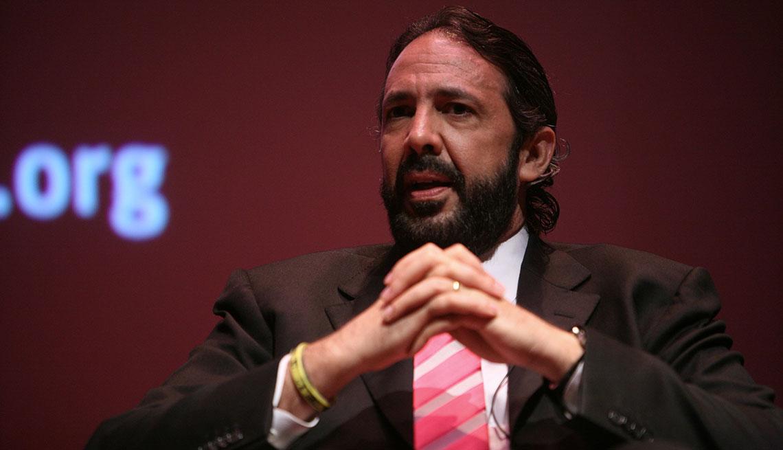 item 7 of Gallery image - Juan Luis Guerra en la presentación de una campaña. Washington, DC. 2009
