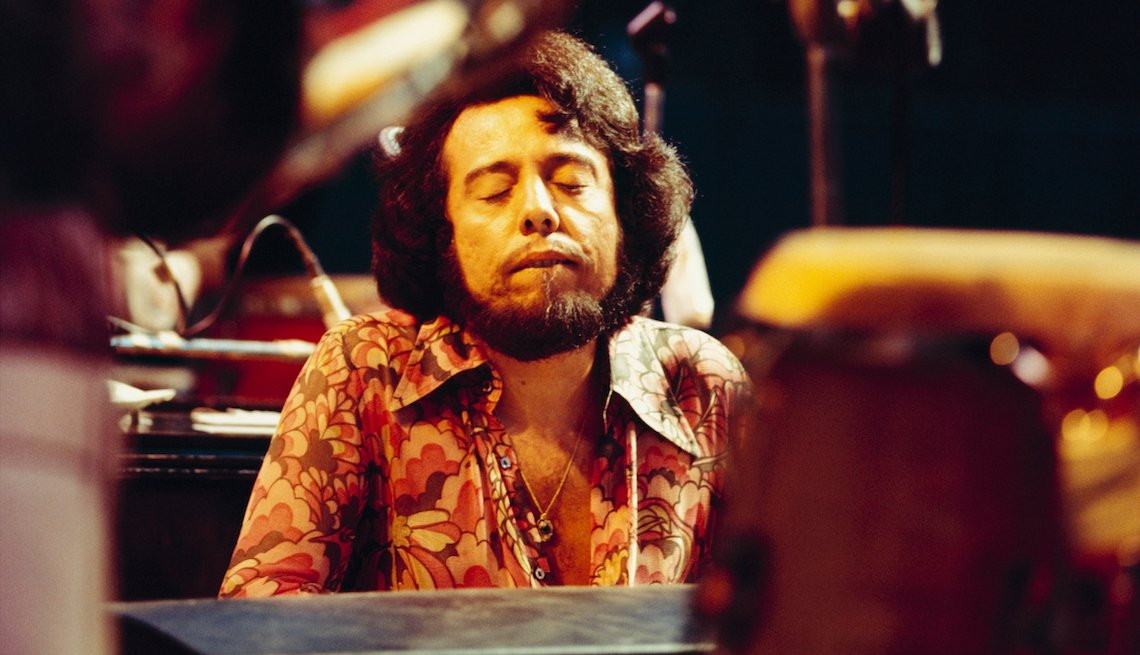 Sergio Mendes performs on stage circa 1970.