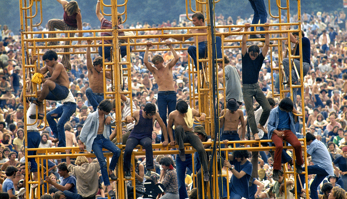 item 2 of Gallery image - Crowd and people sitting on the sound tower