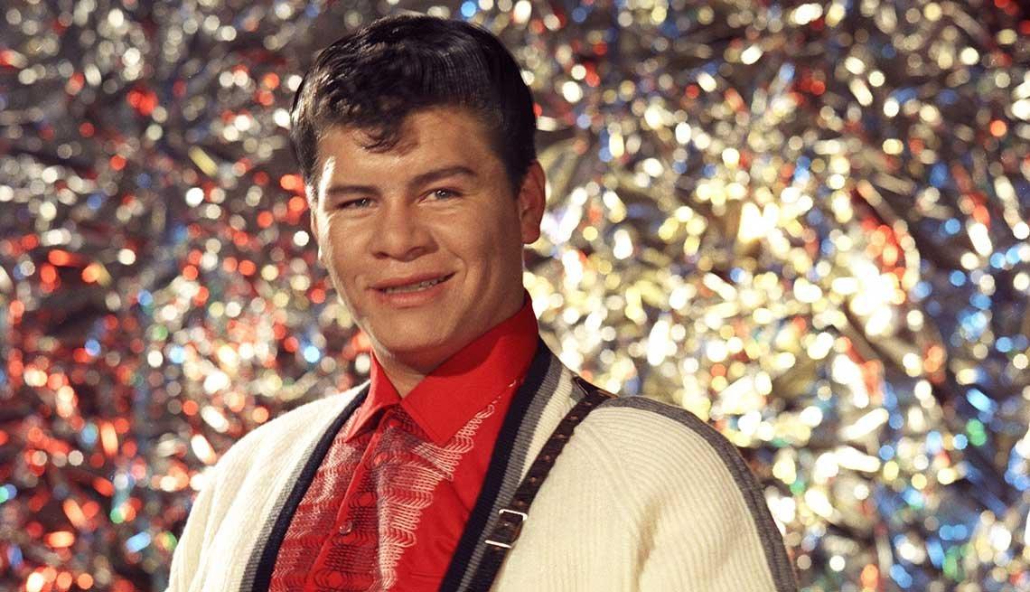 Ritchie Valens en una foto de promoción, Los Ángeles, Estados Unidos, 1958.