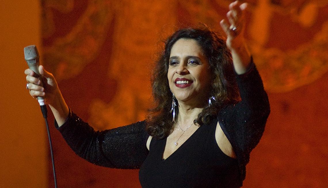 Gal Costa en un recital en el Palau de la Música, Barcelona, España, 2005.