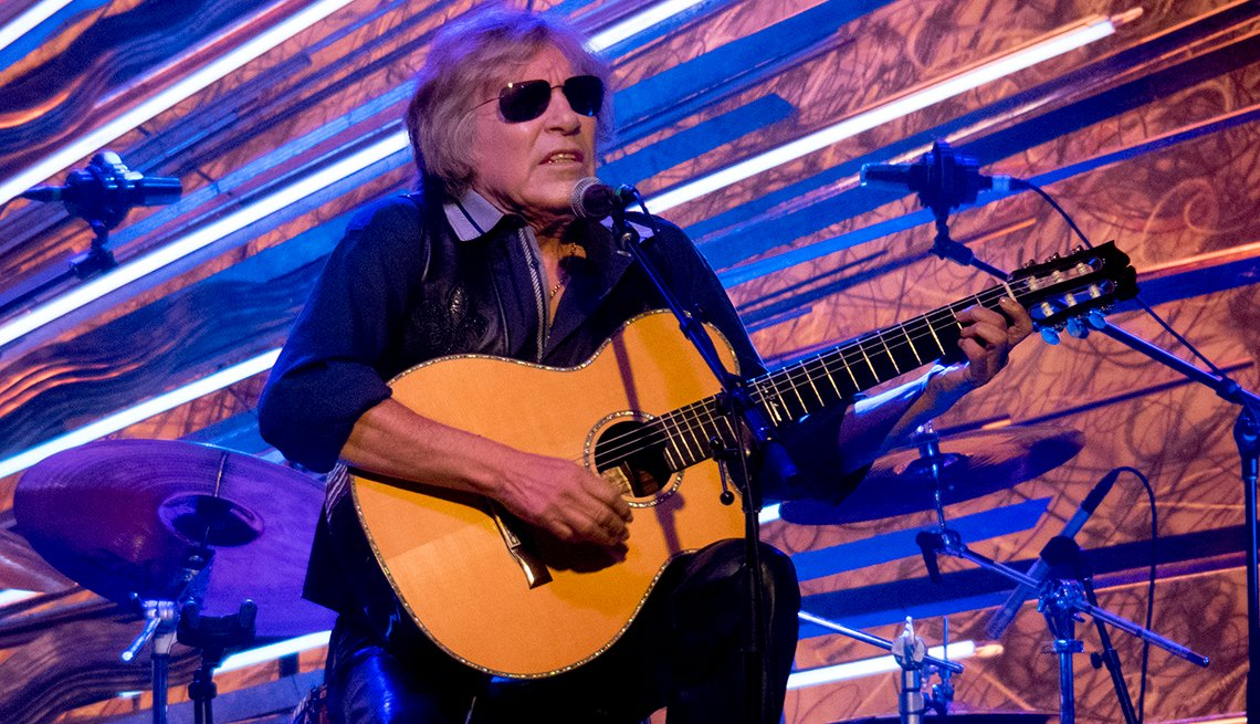 Jose Feliciano performs during his Holiday Feliz Navidad Show at Sony Hall on December 9, 2018 in New York City