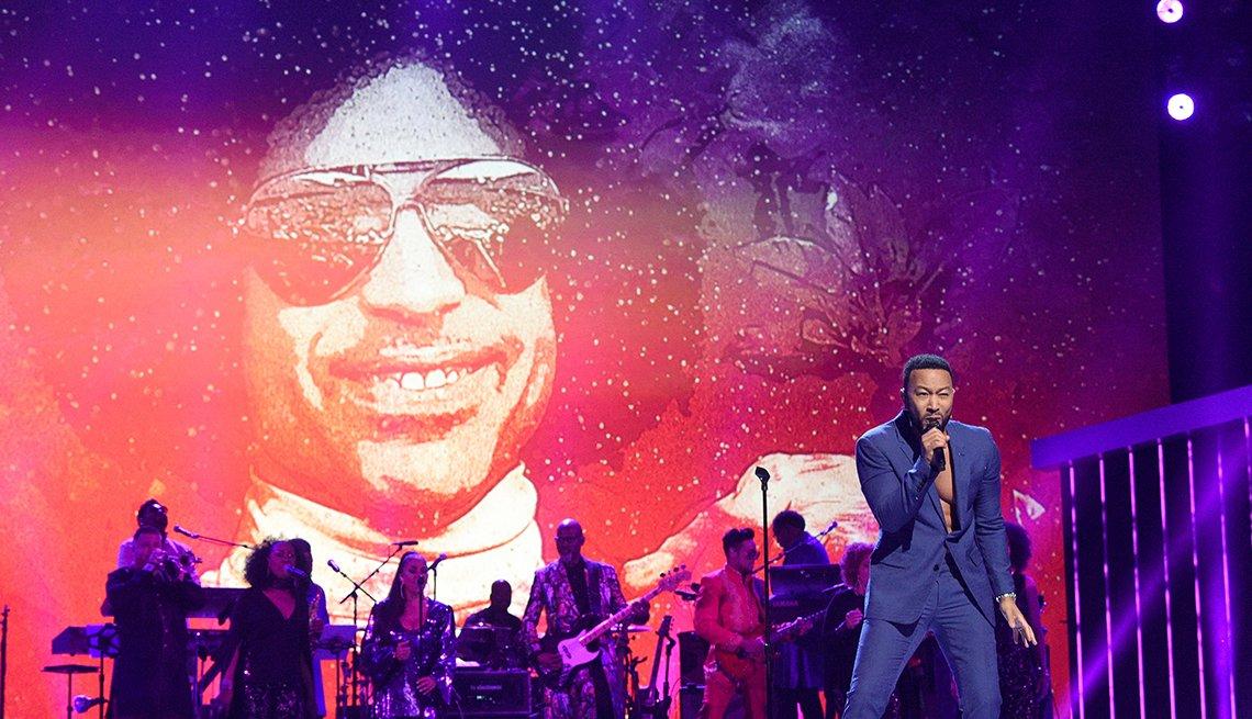 John Legend en su presentación de tributo a Prince, Los Ángeles, California, 2020.