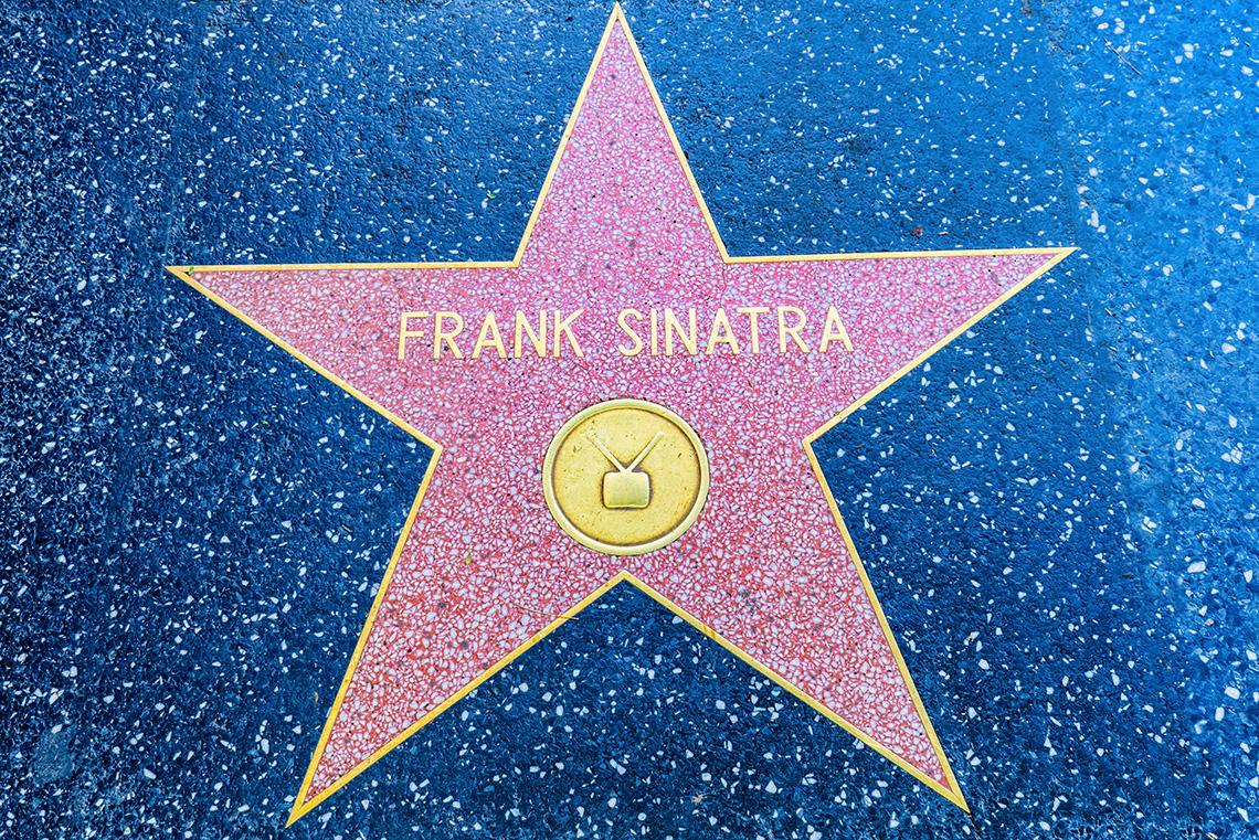 La estrella de Frank Sinatra en el Paseo de la Fama de Hollywood.