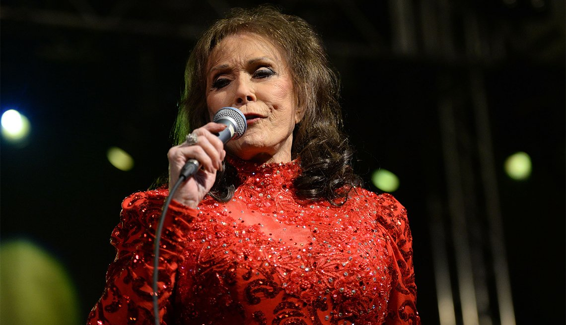 Singer Loretta Lynn performs onstage