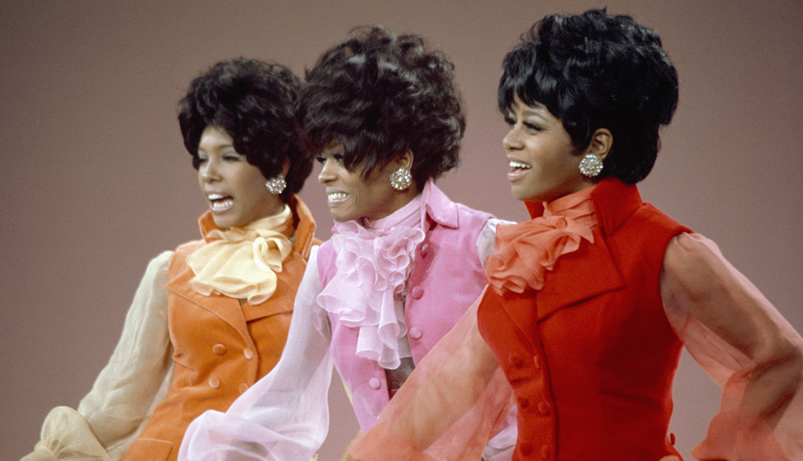 Mary Wilson, Diana Ross and Cindy Birdsong of the Supremes perform during a 1968 TV special