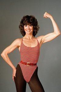 Jane Fonda posando para la portada de su libro sobre el entrenamiento, 1982.