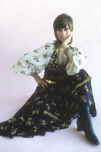 Jane Fonda usando un vestido de flores, 1975