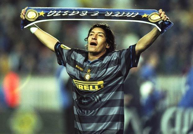 Iván Zamorano - Grandes jugadores del fútbol mundial