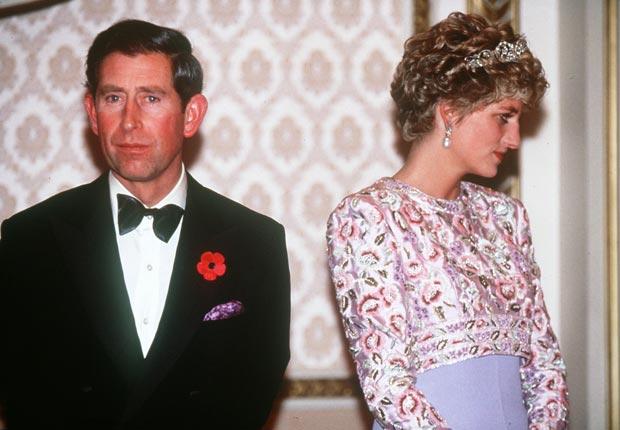 Príncipe Carlos, Príncipe de Gales y Diana, Princesa de Gales están en desacuerdo durante su visita a Corea en 1992.