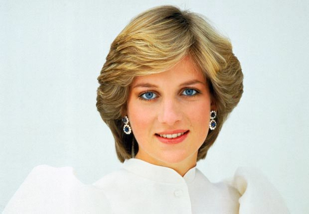 Princes Diana, white dress (Bettmann/Crobis)