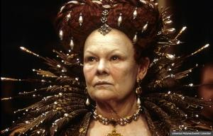 Judi Dench com Elizabeth I en la película Shakespeare in Love