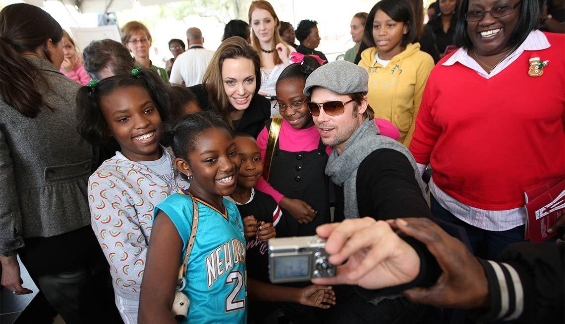 Angelina Jolie y Brad Pitt - Famosos y humanitarios