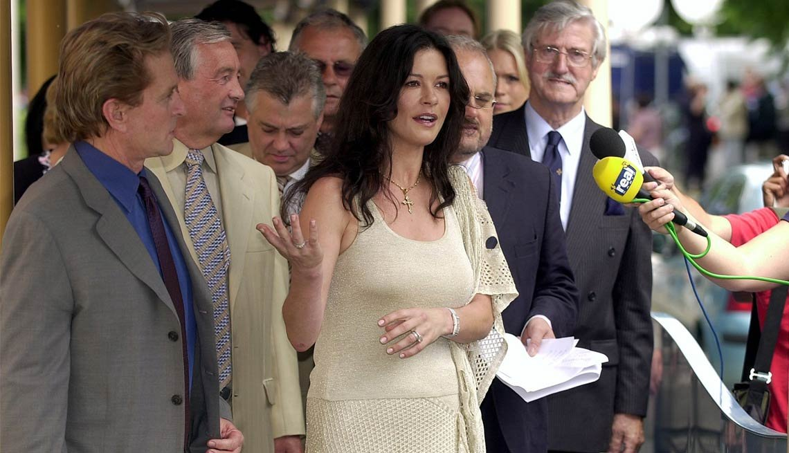 Catherine Zeta-Jones - Famosos y humanitarios