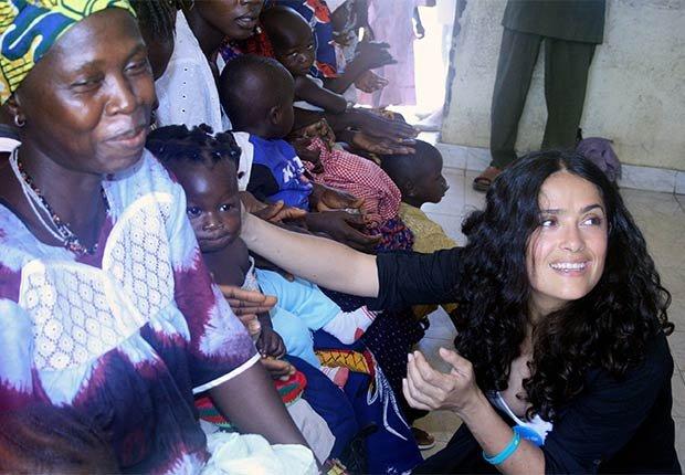 Salma Hayek - Famosos y humanitarios