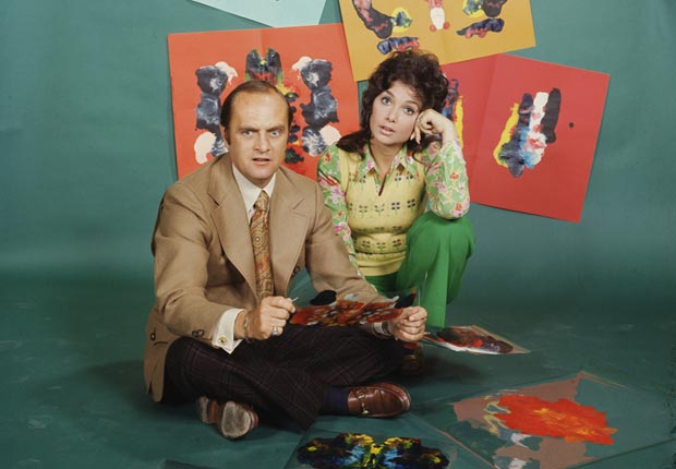 Suzanne Pleshette  and Bob Newhart  in the CBS television series The Bob Newhart Show.