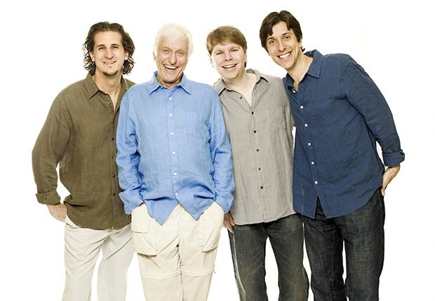 Dick Van Dyke and the Vantastix singing quartet