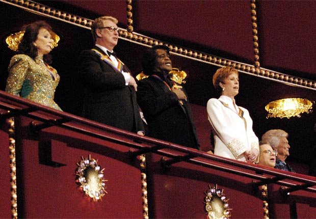 Loretta Lynn, Mike Nichols, James Brown, Carol Burnett and Itzhak Perlman honored at 2003 Kennedy Center Honors