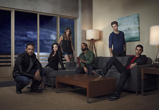 tv premiere summer season 2013 watch new series graceland usa network