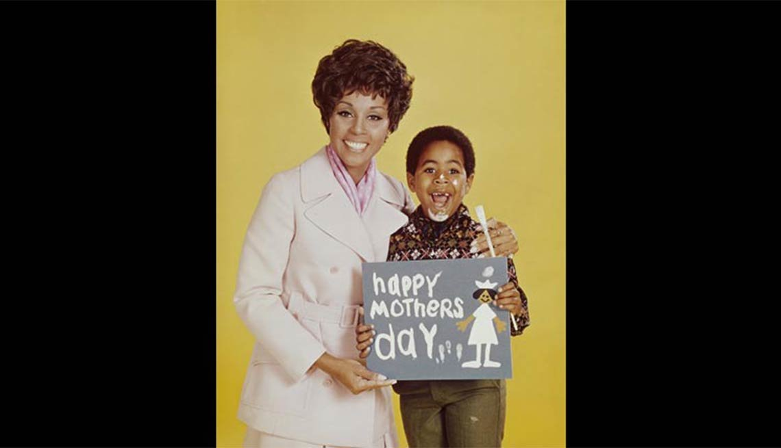 Child actor Marc Copage with Diahann Carol in Julia, Child stars