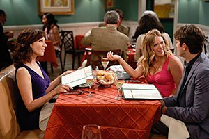 Marilu Henner with Ashton Kutcher and Hilary Duff in Two and a Half Men