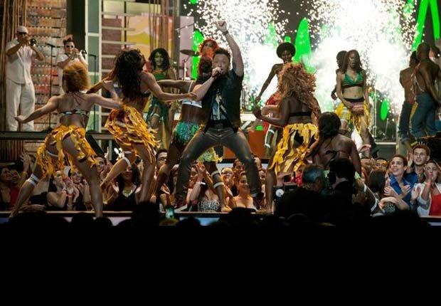 Elvis Crespo - Premios Tu Mundo