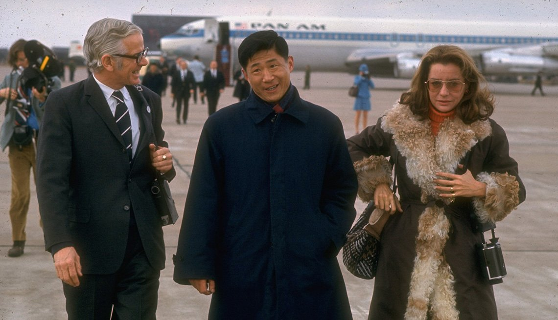 Barbara Walters Arrives At Airport During Nixon's Trip To China, Pan Am Airlines, Barbara Walters Slideshow
