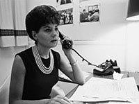 Barbara Walters en su oficina en 1965