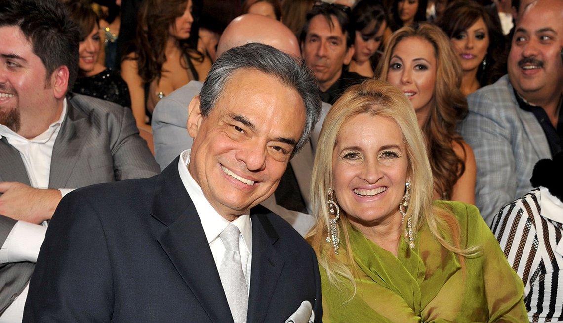 José José y Sara Salazar - Famosas parejas latinas