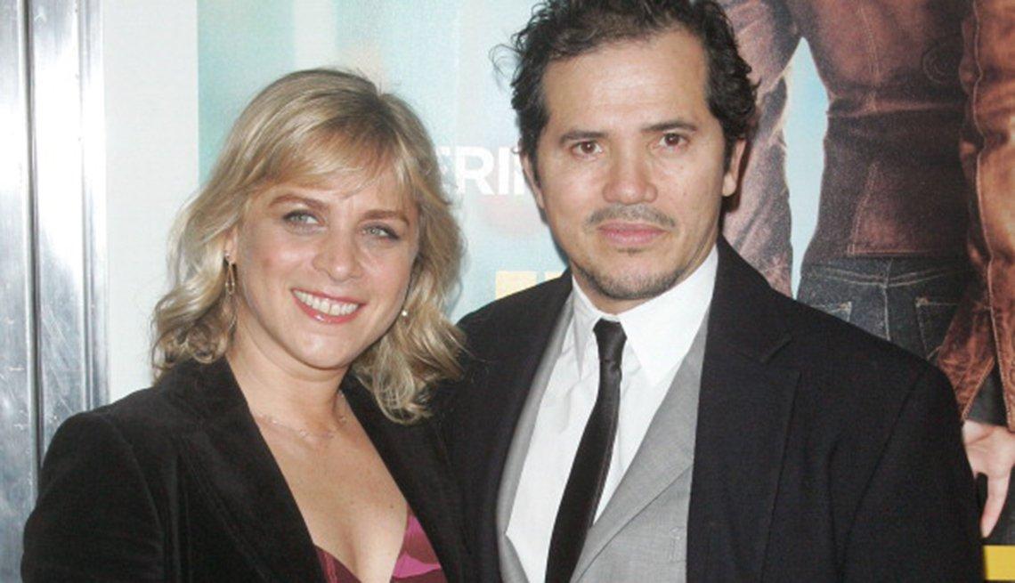 John Leguizamo y Justine Maurer - Famosas parejas latinas