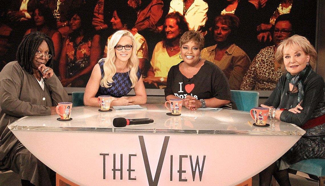 Entrevistas famosas de Barbara Walters - En la foto de set del show The View con Whoopi Goldberg, Jenny McCarthy y Sherri Shepherd.