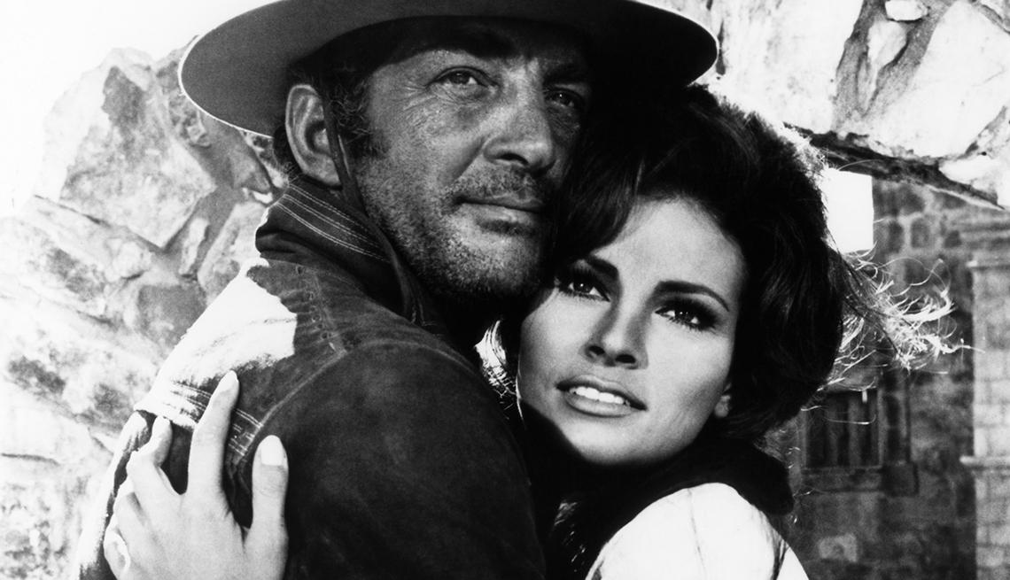 Con Dean Martin en la película ¡Bandolero! (1968) - Raquel Welch, la diva a través de los años