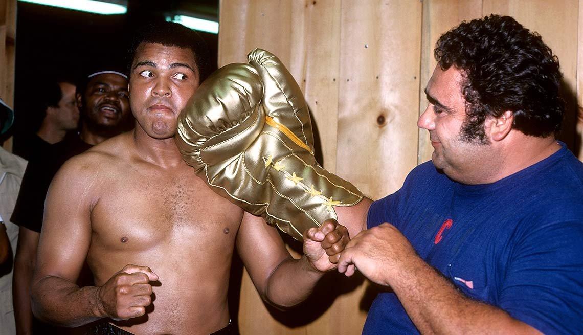 Muhammad Ali meets Vasily Alexeyev