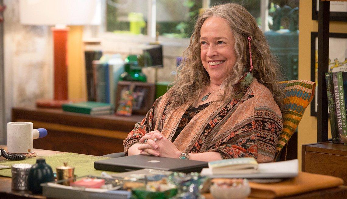 Kathy Bates in 'Disjointed'