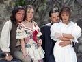 Eduardo Palomo, Edith González, Ariel López Padilla y Ana Colchero en un retrato de promoción de una telenovela de época
