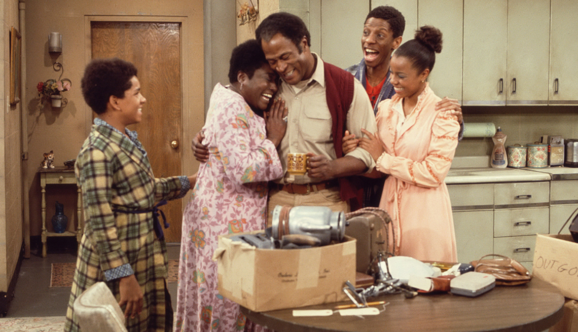 """item 4 of Gallery image - Ralph Carter, Esther Rolle, John Amos, Jimmie Walker and Bernnadette Stanis in """"Good Times"""""""